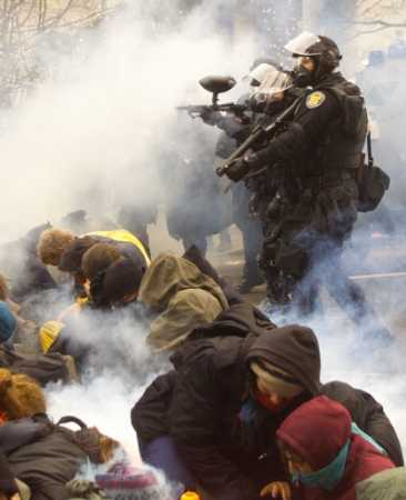 teargas-reuters-andy-clark